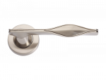 luxusní rozetová klika CURL patinovaná mosaz
