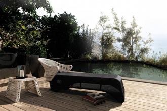 SET luxusní lehátko+stolek CHILDE umělý ratan VIRO